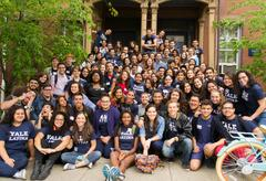 A large, diverse group of Latino and Latina students.
